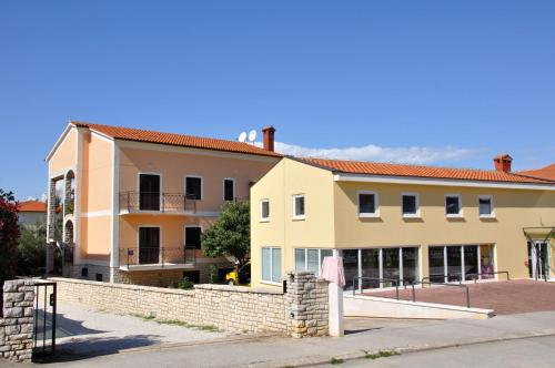 Holiday home Porec 2