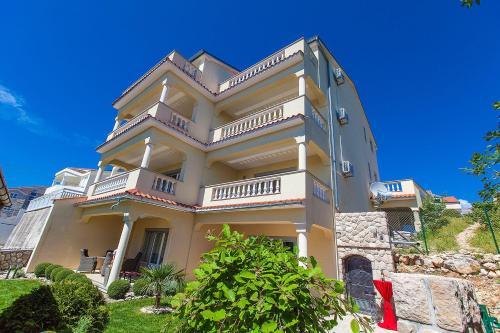 Apartments in Crikvenica 5367C