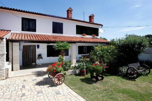 Holiday home Manjadvorci 22