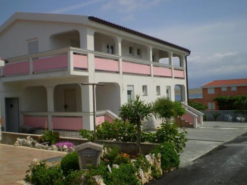 Apartment Vir 5