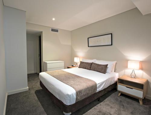 Adelaide DressCircle Apartments - North Terrace photo 28