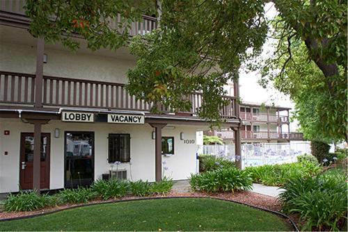 EZ 8 Motel Old Town CA, 92110