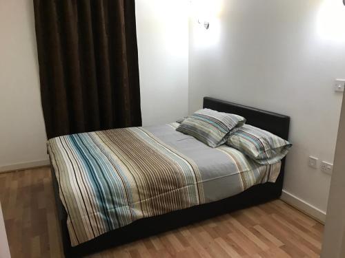 Quadrant Court Apartment, Wembley