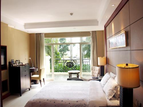 Business Double Room with Garden View
