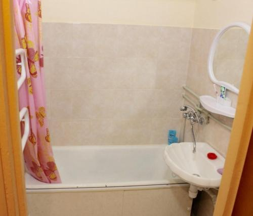 Bathroom Apartment on Prospekt Nezavisimosti 52