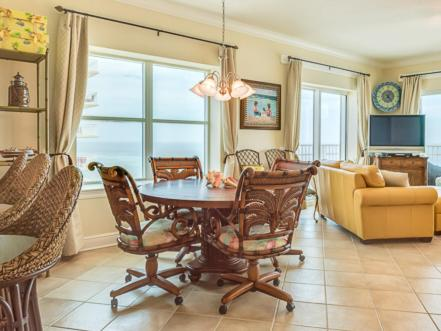 Crystal Shores West 701 Apartment