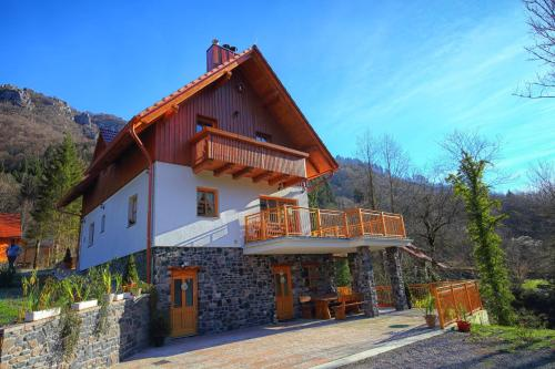 Mountain Holiday Home