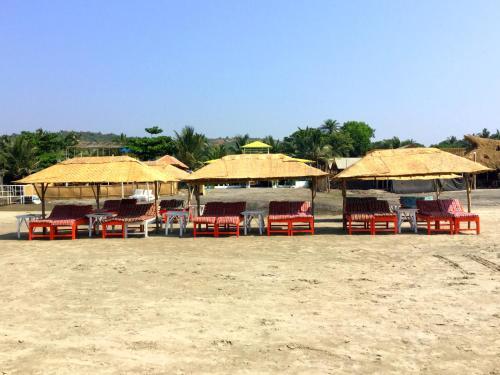 Morjim Queen Beach Resort