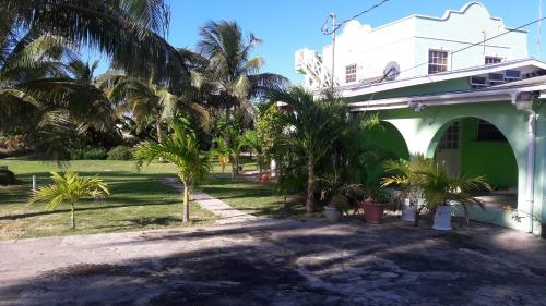 LaToya's Vacation Rental, Saint Philip