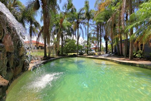 Bargara Gardens Motel and Holiday Villas