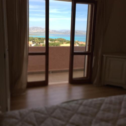 Tweepersoonskamer, met balkon en uitzicht op zee (Double Room with Balcony and Sea View)