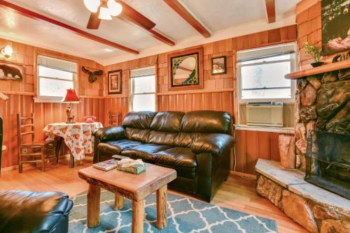 Property Image#4 A Honeymooneru0027s Hideaway By Big Bear Cool Cabins