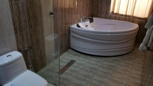 Deluxe Suite mit Spa Bad (Deluxe Suite with Spa Bath)