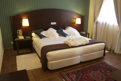 Superior Double Room Hotel L'Estació 1