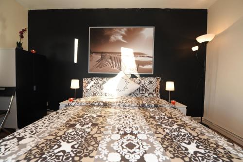 Roberta Rooms