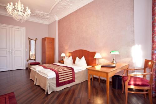 Kult-Hotel Auberge photo 18