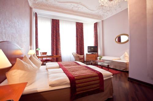 Kult-Hotel Auberge photo 46