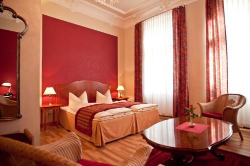 Kult-Hotel Auberge photo 20