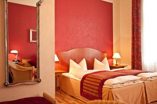 Kult-Hotel Auberge photo 48
