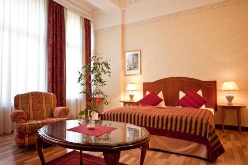 Kult-Hotel Auberge photo 21