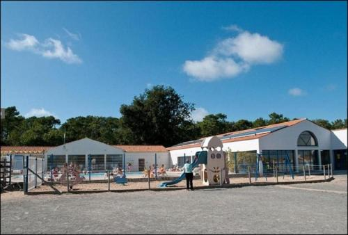 VACANCES YES WE CAMP L'ALBIZIA