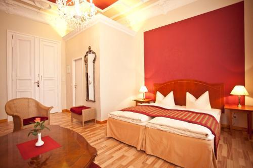 Kult-Hotel Auberge photo 24