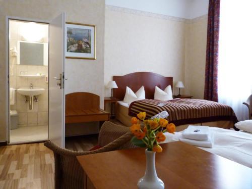 Kult-Hotel Auberge photo 52