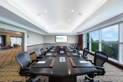 Wyndham Hamilton Park Hotel & Conference Center