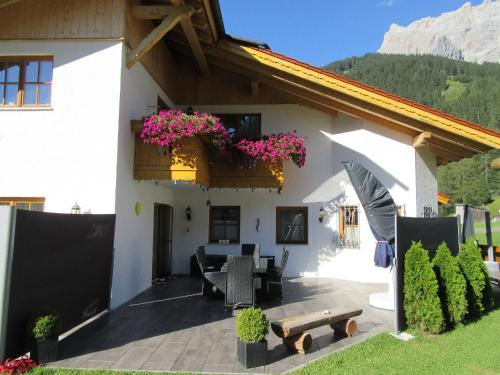 More about Alpen-Chalet Ehrwald