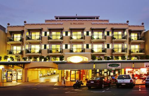 Il palazzo boutique apartments hotel cairns australia for Top boutique hotels queensland