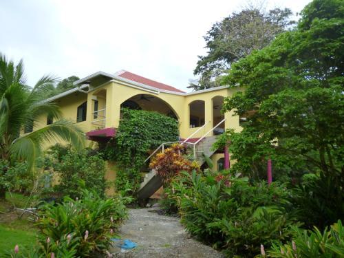 Casa del Cazador, Bocas del Toro Town