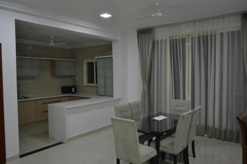 4 Seasons Serviced Apartment