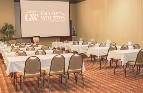 The Grand Williston Hotel And Conference Center Williston Nd