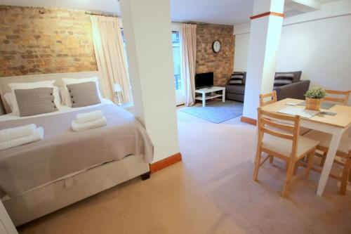 Fantastic Shad Thames Studio Apartment