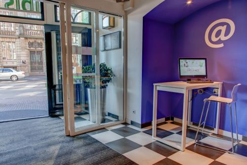 ibis Styles Amsterdam Central Station photo 8