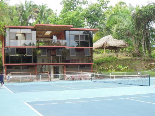 Tennis Club De Quepos