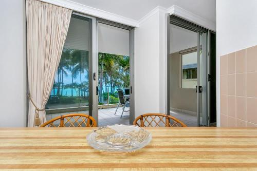 Paringa Beachfront Apartment