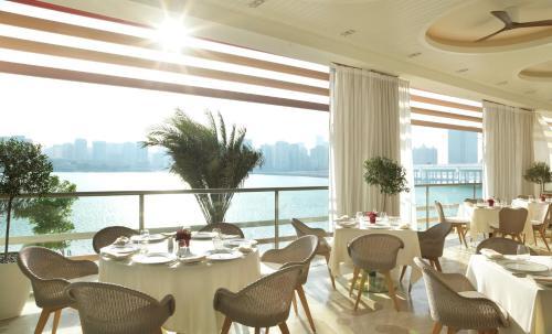 Four Seasons Hotel Abu Dhabi at Al Maryah Island photo 25
