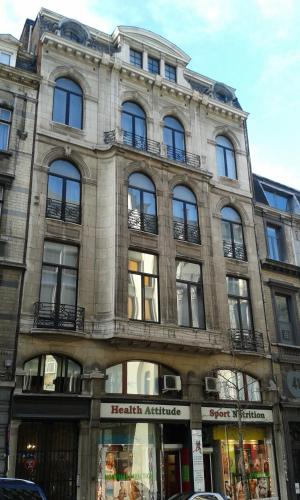 Grand place lombard apartments antwerpen flanders for Lombard place