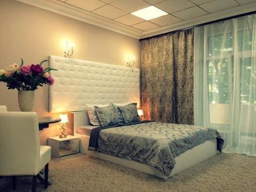 Stay at Boutique Hotel Dvoryanskoe Gnezdo