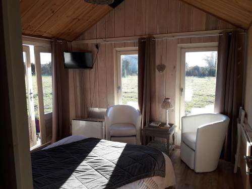 One-Bedroom Chalet (2 Adults)