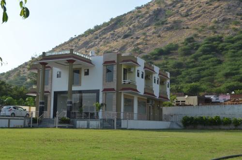 Virasat (a Perfect Holiday Home)