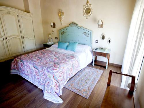 Superior Double or Twin Room - single occupancy Casa de La Campana 3