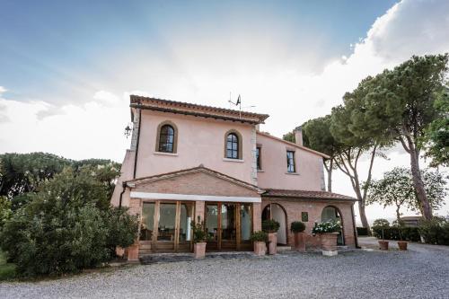 Prenota Relais Villa Acquaviva