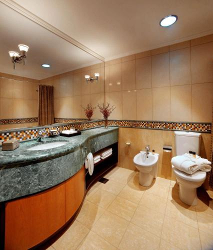 Grand Hyatt Residence photo 12