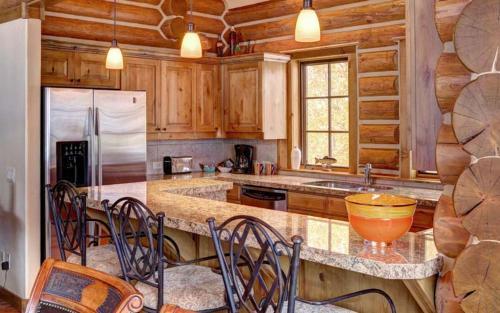 Cutthroat Cabin - WC 31