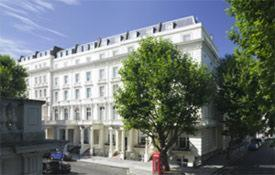 Photo of Berjaya Eden Park London Hotel Hotel Bed and Breakfast Accommodation in London London