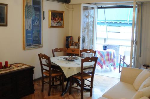 Cozy apartment in Exarchia