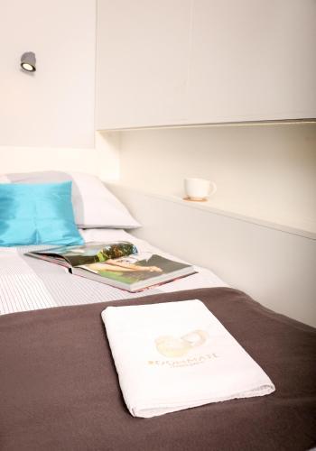 HotelRoommate Apartments - Studio Muranów