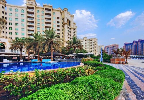 One Perfect Stay - Al Haseer Photo